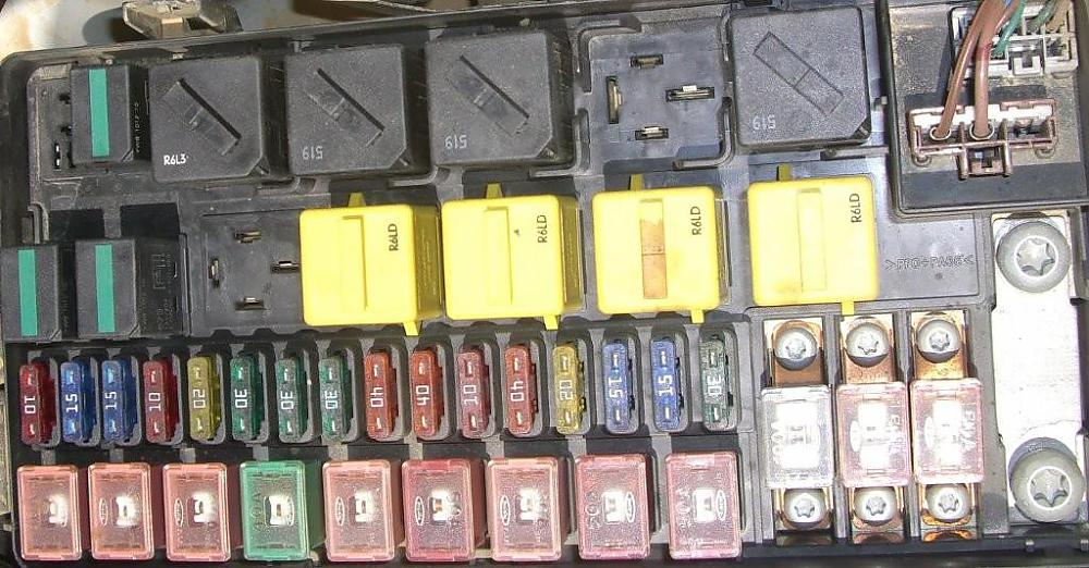 fuse box what is missing from mine land rover forums land click image for larger version fuse box jpg views 8640 size