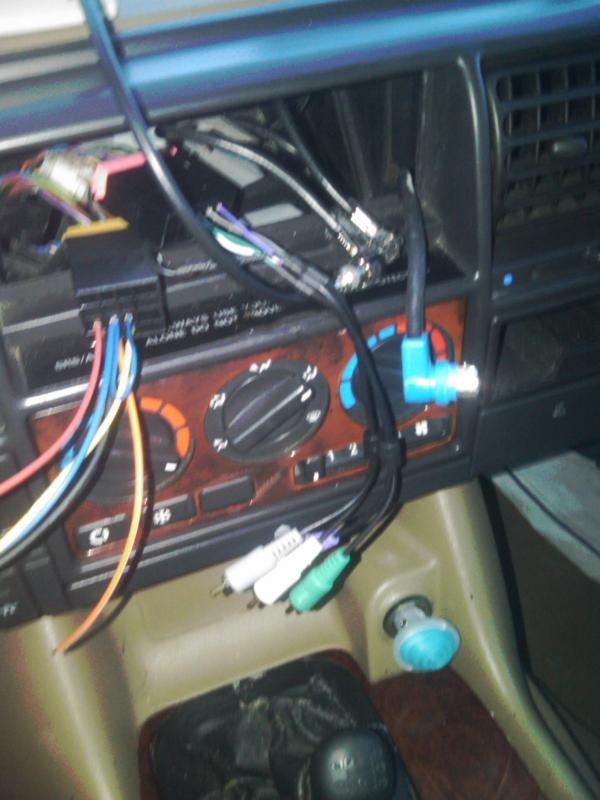 New Radio install in 98 Disco-img00684-20120208-1752.jpg
