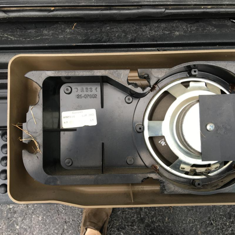 Land Rover Discovery 1 3 Door For Sale: Discovery 1 Rear Cargo Door Subwoofer Speaker