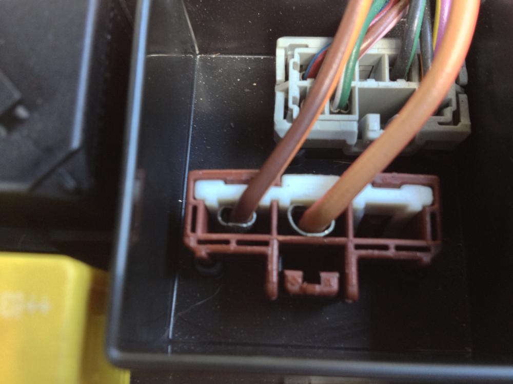 fuse box wiring question land rover forums land rover and click image for larger version 1816 jpg views 911 size 57 7