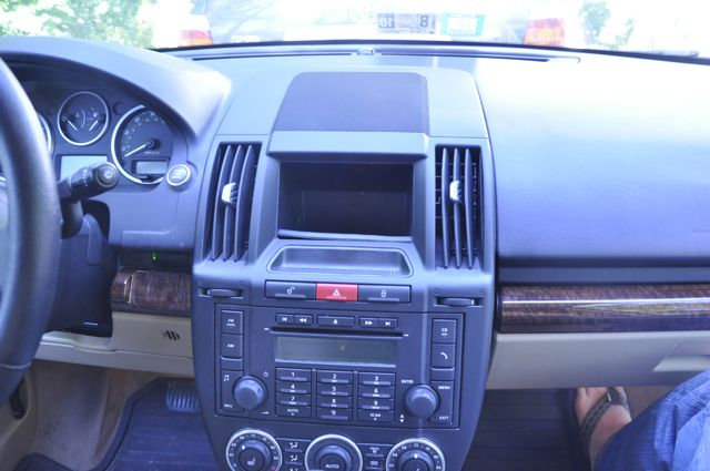 2008 LR2 After Market In-Dash Navigation-lr202.jpg